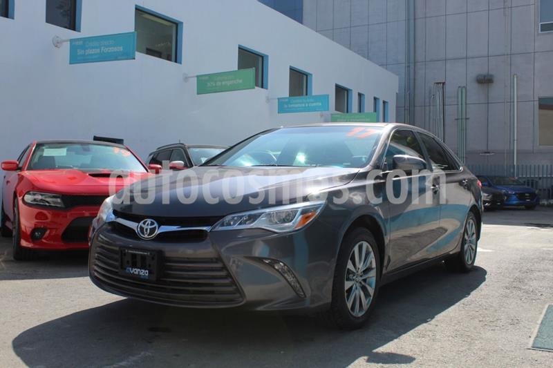 Toyota Camry XLE 2.5L usado (2017) color Granito precio $305,000