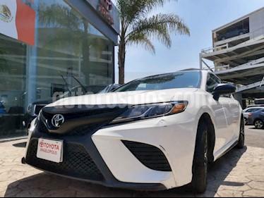 Toyota Camry 4p SE L4/2.5 Aut usado (2019) color Blanco precio $370,000