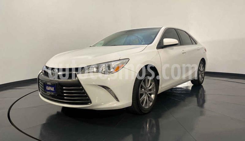 Toyota Camry XLE 2.5L Navi usado (2016) color Blanco precio $259,999