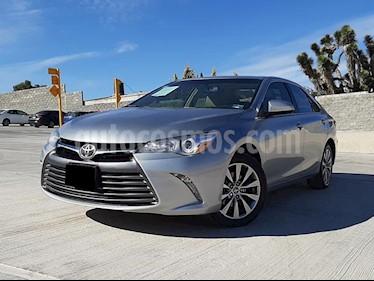 Toyota Camry XLE 2.5L Navi usado (2017) color Plata precio $268,000