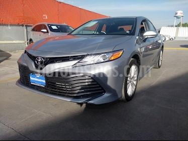 Toyota Camry XLE 2.5L Navi usado (2019) color Plata Metalico precio $443,000