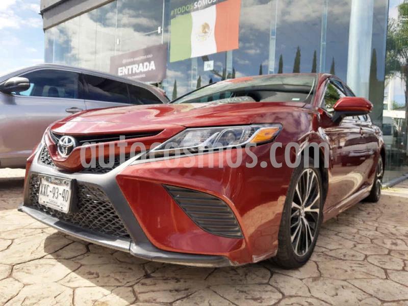 Toyota Camry SE 2.5L usado (2018) color Rojo precio $305,000