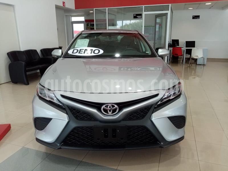 Toyota Camry SE 2.5L usado (2020) color Gris precio $440,000