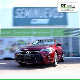 Toyota Camry XSE 3.5L V6 usado (2017) color Rojo precio $300,000