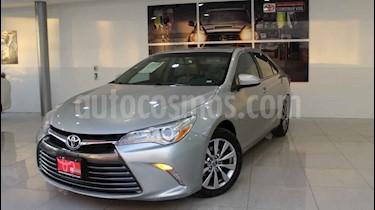 Toyota Camry XLE 2.5L usado (2015) color Plata precio $230,000