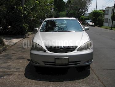 Toyota Camry XLE 2.4L usado (2003) color Gris precio $70,000