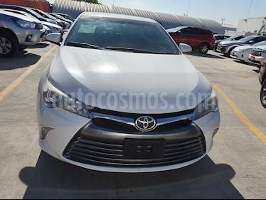Toyota Camry XLE 2.5L usado (2017) color Blanco precio $279,000