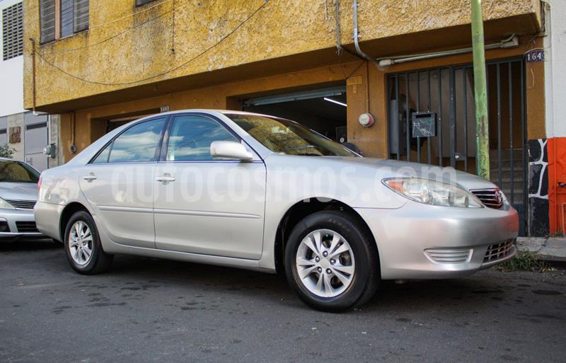Toyota Camry LE 2.4L usado (2006) color Plata precio $78,000