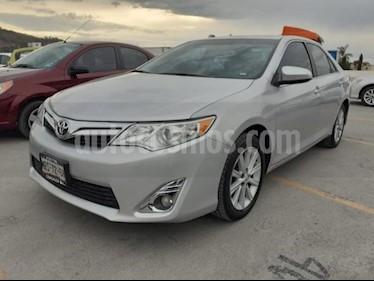 Toyota Camry 4p XLE L4/2.5 Aut usado (2014) color Plata precio $195,000