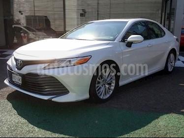 Toyota Camry XLE 2.5L usado (2018) color Blanco precio $386,000