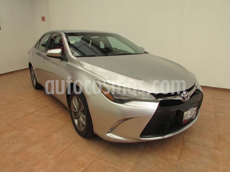 Toyota Camry XSE 3.5L V6 usado (2015) color Plata precio $245,000