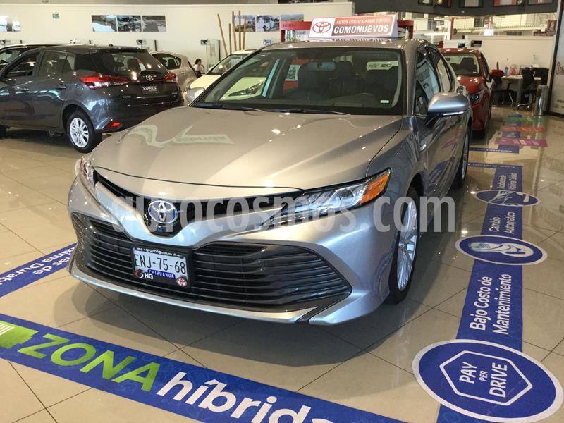 Toyota Camry XLE 2.5L Navi Hibrido usado (2019) color Plata Dorado precio $498,000