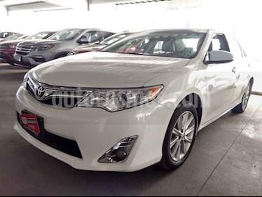 Toyota Camry 4p XLE L4/2.5 Aut usado (2014) color Blanco precio $198,000
