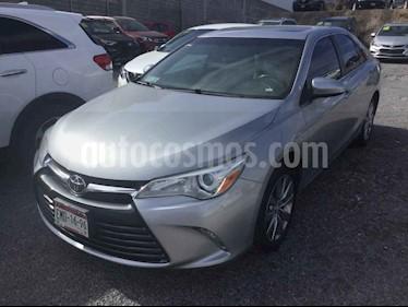 Toyota Camry XLE 2.5L Navi usado (2015) color Plata precio $225,000