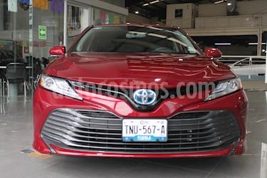 Toyota Camry XLE 2.5L Navi Hibrido usado (2019) color Rojo precio $564,000