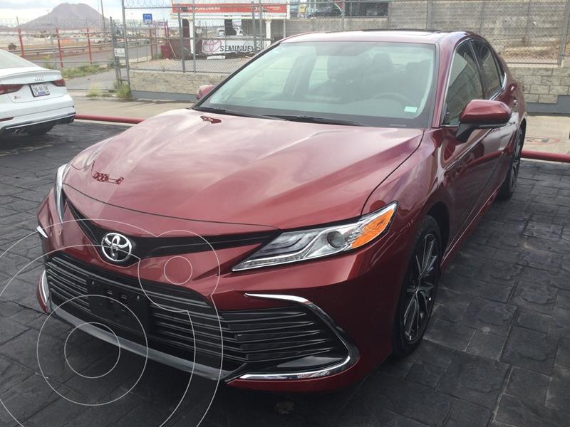 Foto Toyota Camry XLE 2.5L usado (2021) color Rojo precio $530,000