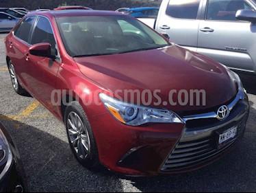 Toyota Camry XLE 2.5L Navi usado (2017) color Rojo precio $338,000