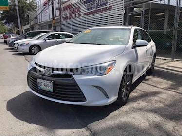 Toyota Camry XLE 2.5L Navi usado (2016) color Blanco precio $279,000