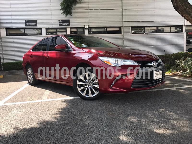 Toyota Camry LE 2.5L usado (2017) color Rojo precio $248,000