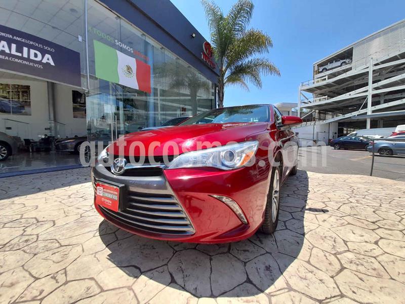 Toyota Camry XLE 2.5L usado (2017) color Rojo precio $280,000