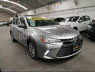 Toyota Camry XLE 2.5L Navi usado (2017) color Plata precio $290,000