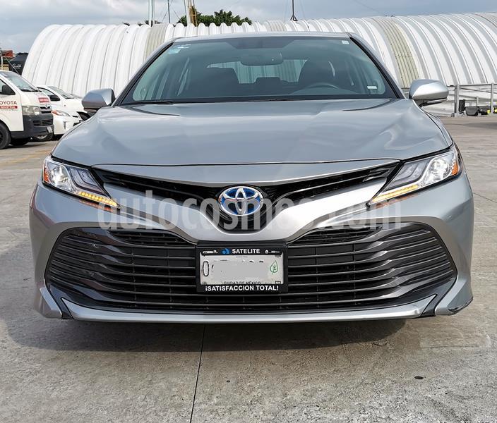 Toyota Camry XLE 2.5L Navi Hibrido usado (2019) color Plata Metalico precio $509,000