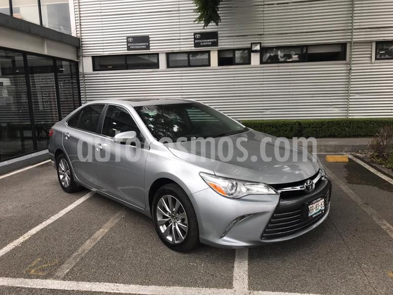 Toyota Camry XLE 2.5L usado (2017) color Plata Dorado precio $280,000