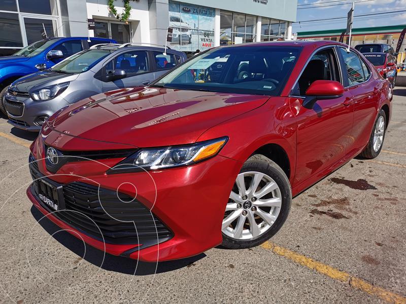 Toyota Camry LE 2.4L usado (2018) color Rojo precio $290,000