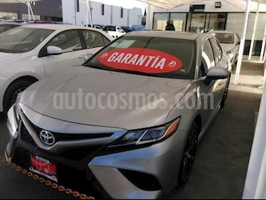Foto venta Auto Seminuevo Toyota Camry SE 2.5L (2018) color Plata precio $419,000