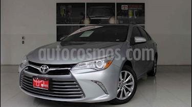 Foto venta Auto usado Toyota Camry XLE 2.4L (2017) color Plata precio $260,000