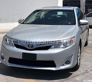Toyota Camry XLE 2.4L usado (2012) color Plata precio $165,000