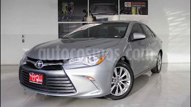 foto Toyota Camry XLE 2.5L Navi usado (2017) color Plata precio $320,000