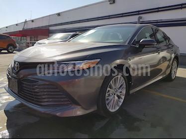 Foto venta Auto usado Toyota Camry XLE 2.5L (2018) color Gris Metalico precio $460,000