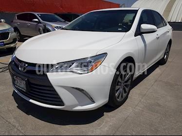 Foto venta Auto usado Toyota Camry XLE V6 (2015) color Blanco precio $255,000