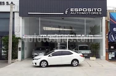 Toyota Corolla 1.8 XEi Aut usado (2016) color Blanco precio $880.000
