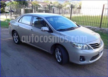 Toyota Corolla 1.8 XEi Pack usado (2013) color Gris Plata  precio $390.000