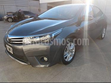 Toyota Corolla 1.8 XEi usado (2014) color Gris Oscuro precio $600.000