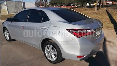 Toyota Corolla 1.8 XEi usado (2015) color Gris Plata  precio $565.000