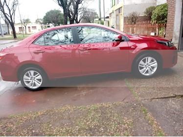 Toyota Corolla 1.8 XEi usado (2014) color Rojo