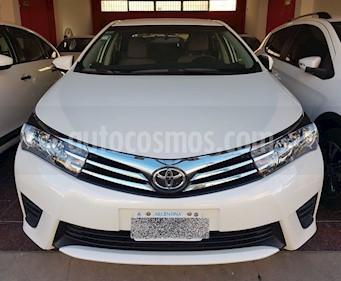 Foto Toyota Corolla 1.8 XLi CVT usado (2016) color Blanco precio $640.000