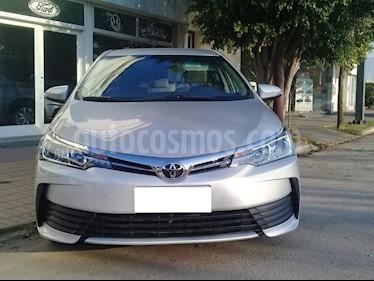 Toyota Corolla 1.8 XLi CVT usado (2019) color Gris Claro precio $985.000