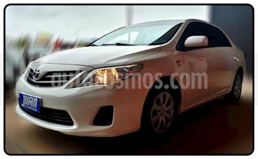 Foto Toyota Corolla 1.8 XLi usado (2012) color Blanco precio $490.000