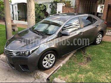 Toyota Corolla 1.8 XLi usado (2015) color Gris Oscuro precio $590.000