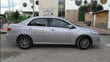 Toyota Corolla 1.8L XLi  usado (2013) color Plata Metalico precio $30.000.000