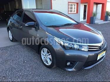 Toyota Corolla 1.8 XEi usado (2014) color Gris Oscuro precio $620.000