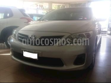 Toyota Corolla 1.8 XLi usado (2012) color Gris Plata  precio $480.000