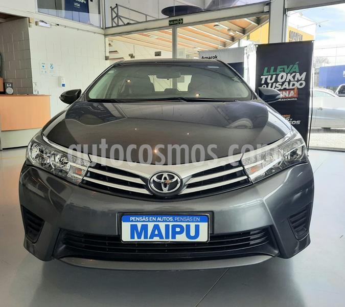 Toyota Corolla 1.8 XLi Aut usado (2017) color Gris Plata  precio $1.780.000