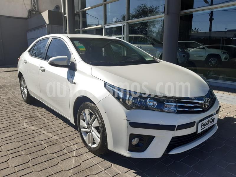 Toyota Corolla 1.8 XEi  usado (2016) color Blanco precio $1.050.000