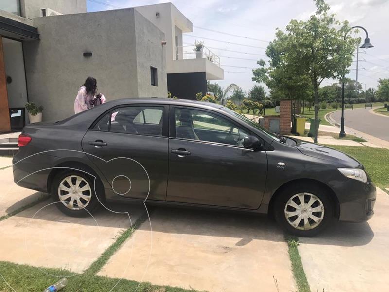 Toyota Corolla 1.8 XLi usado (2012) color Gris Oscuro precio $750.000