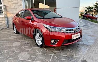 foto Toyota Corolla 1.8 XLi CVT usado (2017) color Rojo precio $950.000